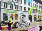 En ny meningsmåling viser at over 50% av danskene ønsker å fjerne forbudet mot cannabisbruk for å få salget inn i regulerte former. Copenhagen Coffee&Shop tilbyr foreløbig sine kunder bare kaffe.